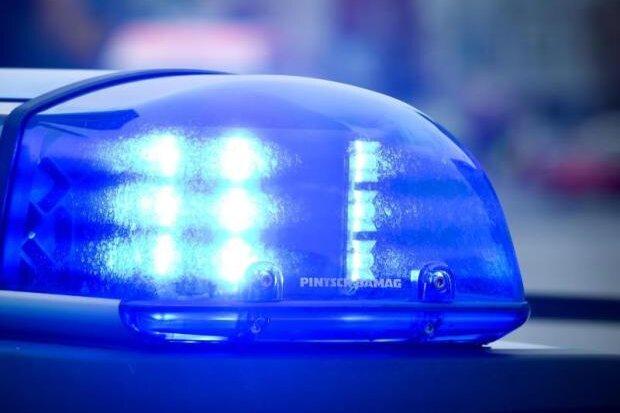 Unbekannter bedrängt 15-Jährige - Zeugen gesucht