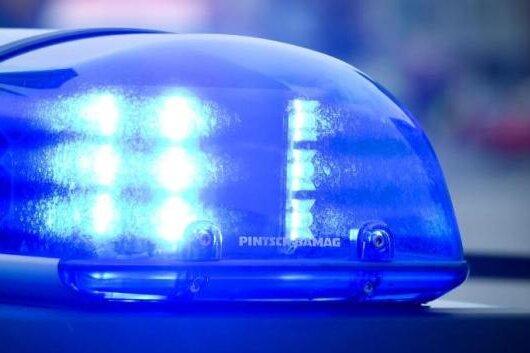 Nach Raub und Körperverletzungen: Wohnungsdurchsuchungen in Zwickau