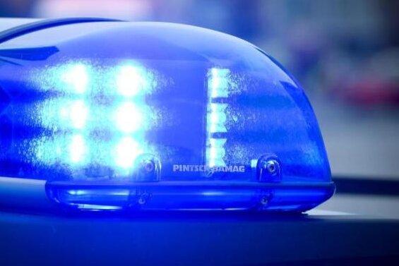 Vorfahrt missachtet: Fünf Schwerverletzte in Naundorf