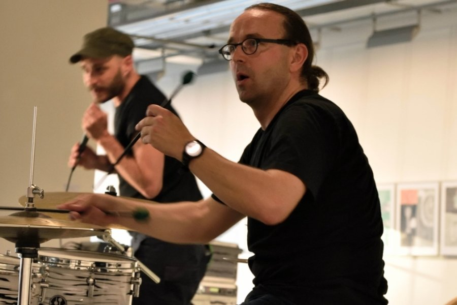 Der Perkussionist Lucas Nigli spielt zum Jubiläum des Jazzclubs Fuchs wieder in Chemnitz.