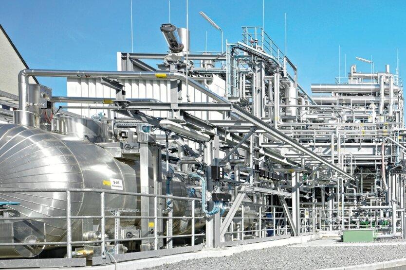 Der Chemieanlagenbau Chemnitz hat das bundesweit erste saubere Benzin entwickelt. Produziert wird es in Freiberg (Mittelsachsen).
