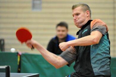 Die Tischtennisspieler des BSC Freiberg um Jaromir Pivonka sind als Landesligist derzeit Mittelsachsens Aushängeschild im Männerbereich. Mit Zdenek Bilek und Marek Vanis spielen zwei weitere Tschechen im Team. Das könnte sich bei einem möglichen Neustart der Saison als problematisch erweisen.