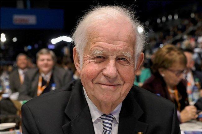 Kurt Biedenkopf.