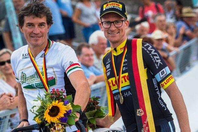 Robert Retschke (r.) und Holger Ehnert vom gastgebenden RSV Chemnitz fuhren zu Bronze und gewannen damit ihre fünfte Meisterschaftsmedaille.