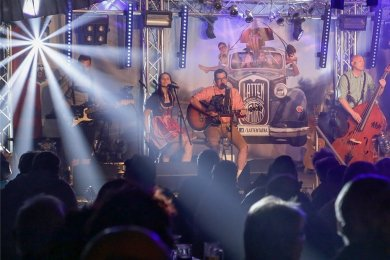 Die Burgstädter Band Lattentatra hat zum Stadtfest in Burgstädt 2016 für Stimmung gesorgt. Ob dieses Jahr ein Fest stattfindet, ist ungewiss.