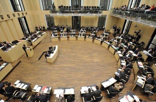 Mit der Landtagswahl in Hamburg verliert Schwarz-Gelb im Bundesrat an Boden. Das Oppositionslager verfügt nun über 24 statt 21 Sitze. Folgen für die Machtverhältnisse in dem Gremium hat dies nicht.