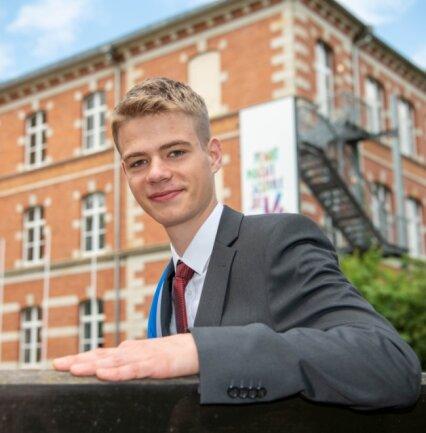 Moritz Haupt hat sein Abitur mit einem Notendurchschnitt von 1,1 abgeschlossen. Damit ist der 18-jährige Niedersteinbacher der Beste seines Jahrgangs am Freien Gymnasium Penig.