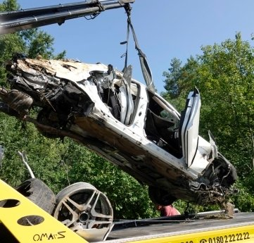 Die Ermittlungen zu dem tödlichen Unfall mit einem Mercedes am 16.August 2020 auf der A 4 laufen noch.