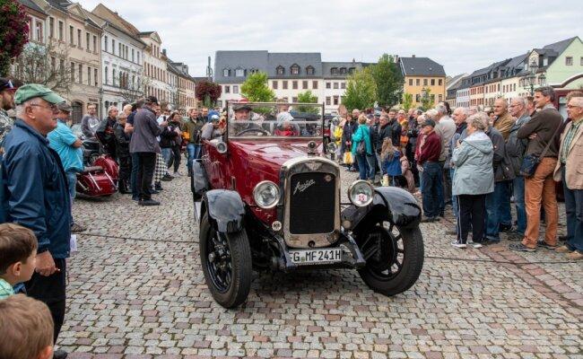 Michael Fuhse aus Ehrenberg ging mit seinem Austin Sport-Tourer, Baujahr 1926, auf die rund 80 Kilometer lange Ausfahrt.