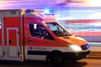 Eine Frau ist bei einem Verkehrsunfall nahe Marienberg tödlich verletzt worden.