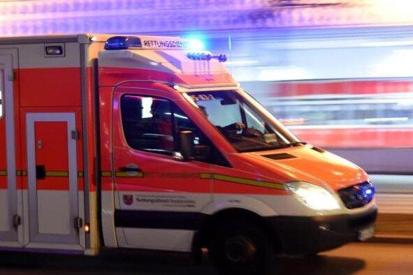 Zwickau: Fußgängerin bei Unfall schwer verletzt