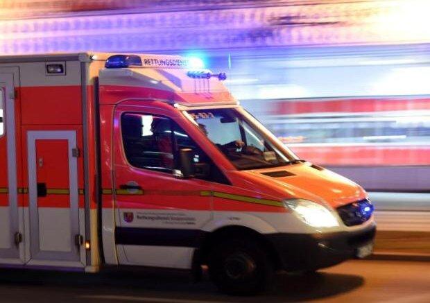 Zwei Verletzte nach Autounfall