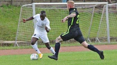 Für die Lichtensteiner Fußballer - hier mit Wallace Ndi Tangwan am Ball - lief die Saison bisher noch nicht rund.