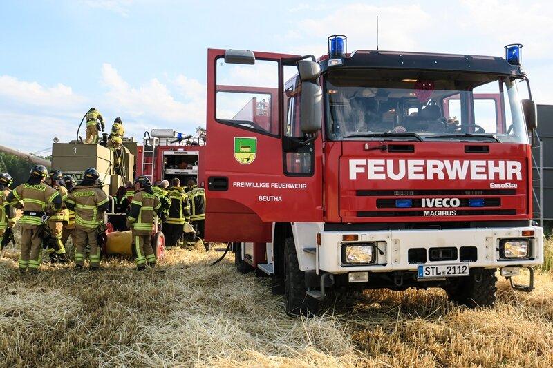 Qualm aus Mähdrescher - Feuerwehreinsatz