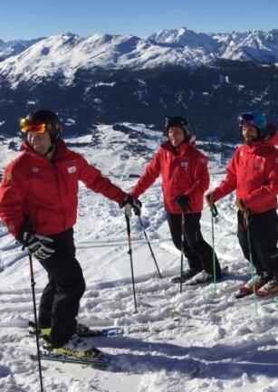 Heute: Rainer Schultes, Chef des Alpin Center Hochzeiger, mit Kollegen.