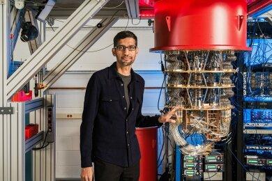 Bisher kommen Quantencomputer vor allem aus den USA. Neben IBM hat auch Google einen Quantencomputer entwickelt, den Sundar Pichai, Vorstandschef von Google, im vergangenen Jahr präsentierte.