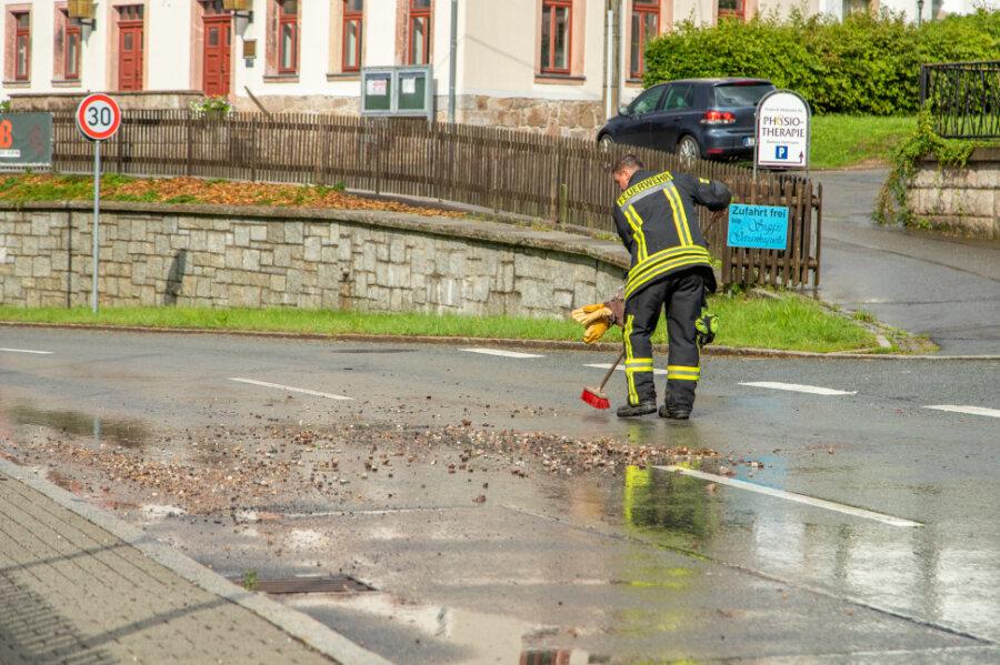 Heftiger Regen über Bärenwalde erfordert Feuerwehreinsatz