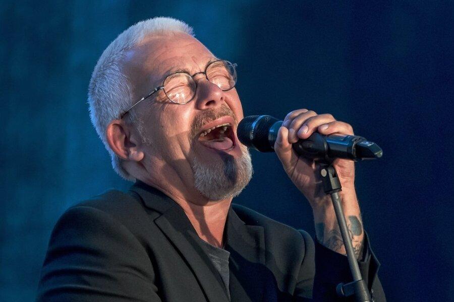 Jes Holtsö ist heute gestandener Musiker und vor allem als Bluesinterpret bekannt.