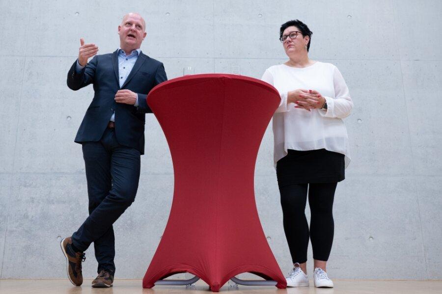 Henning Homann, SPD-Generalsekretär, und Kathrin Michel (SPD), Gewerkschafterin, führen die SPD jetzt als Doppelspitze.