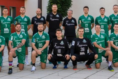 Optimistisch in die elfte Oberliga-Saison: Die Handballer der HSG Freiberg starten fast mit dem kompletten alten Kader in die neue Spielzeit. Nur Torhüter Richard Meinicke ist in die Niederlande zurückgekehrt, dafür feiert Kreisspieler Felix Lehmann ein Comeback.