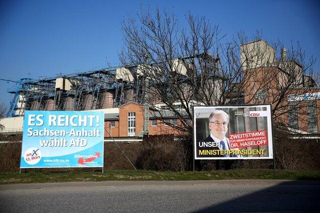 In Sachsen-Anhalt kann die AfD mit einem hohen zweistelligen Ergebnis rechnen - sehr zum Verdruss des amtierenden Ministerpräsidenten.