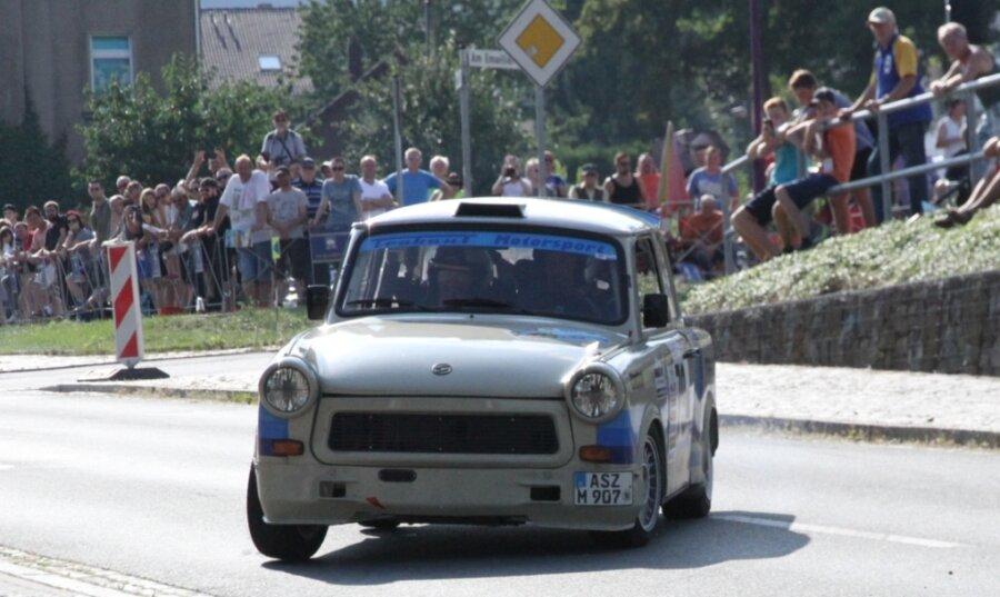 Mario Keller und Sebastian Krowiors im Trabant Super 600 vertreten diesen Sonnabend bei der 17. Rallye Grünhain die Farben des gastgebenden Clubs. Der MCG stellt rund ein Dutzend von insgesamt 80 Teams.