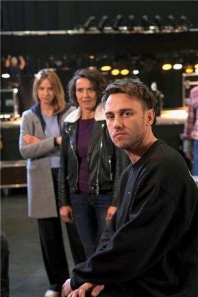 Gastrolle für Sänger Clueso, hier mit Johanna Stern (Lisa Bitter, links) und Lena Odenthal (Ulrike Folkerts).