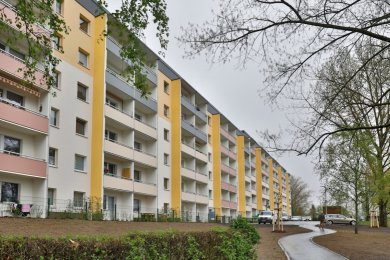 An der Sonnenstraße wurden nicht nur Plattenbauten, sondern auch die Außenanlagen neu gestaltet.