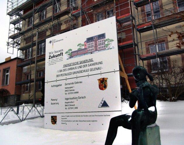 Während die Mittel aus dem Konjunkturpaket II für den ersten Bauabschnitt der Gelenauer Grundschule nicht infrage stehen, hat die Sächsische Aufbaubank den 50-prozentigen Zuschuss aus der landeseigenen Schulhausbau-Förderung für die Fortsetzung der Projekts versagt.