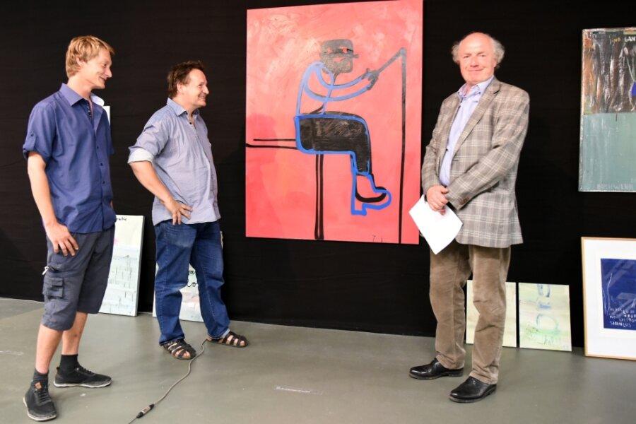 Trotz fehlendem Auftragswerk hatten René Ebersbach, Mitarbeiter der Neuen Sächsischen Galerie, Galerie-Chef Mathias Lindner und der KünstlerOsmar Osten (Foto von links) in der Galerie viel Vergnügen.