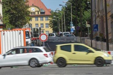 Endstation Zietenstraße: Bis Mitte September ist die Fürstenstraße auf dem Sonnenberg voll gesperrt. Die Umleitung führt über knapp zwei Kilometer. Dort wie auf der ebenfalls gesperrten Barbarossastraße auf dem Kaßberg dürfte es erst mit Schulbeginn zur eigentlichen Belastungsprobe kommen.