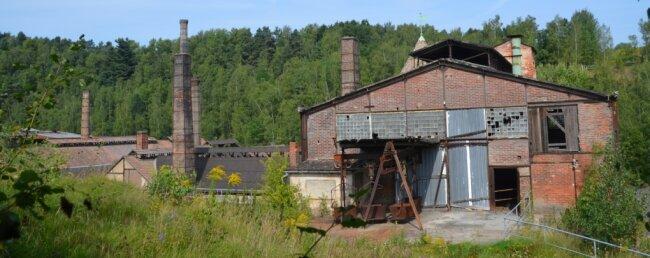 Der denkmalgeschützte Hüttenkomplex wird nur zu bestimmten Terminen für Gruppenführungen geöffnet. Die Hängebahn verband einst zentrale Punkte auf dem Gelände.