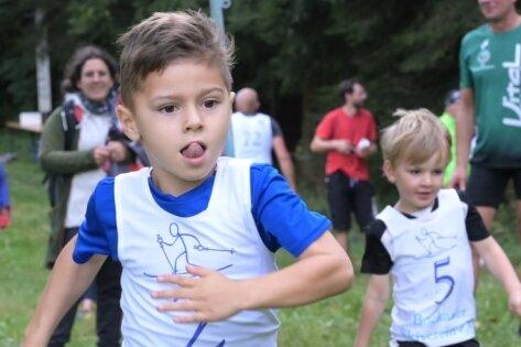 Den Schnupperlauf hat Pepe Oettel gewonnen, der voll konzentriert auf die Strecke ging.