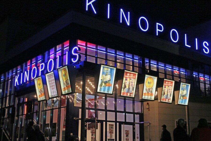 Punkt 19 Uhr gingen am Sonntagabend im Freiberger Kinopolis für eine Stunde wieder die Lichter an. Allerdings nicht für Vorstellungen, sondern um zu zeigen, dass man noch da ist.