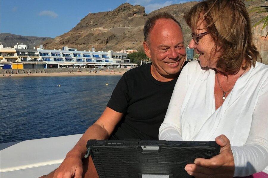 Homeoffice mit Meerblick: Silvia Schrenk und Gerhard Dillmann leben und arbeiten seit vier Monaten auf Gran Canaria.