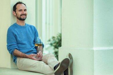 Silvio Nitzsche (46) hat Hotelfachmann gelernt und betreibt seit 2007 die Weinkulturbar Dresden.