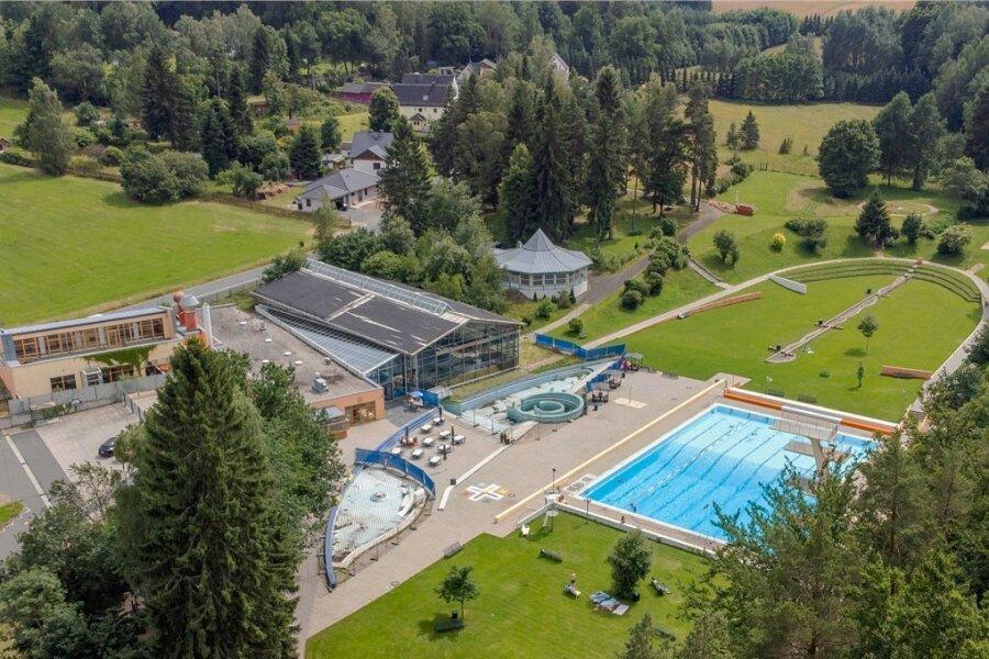 Nach dem (kürzlich geänderten) Willen des Stadtrats soll das Waldbad Brunn zu einem reinen Freibad umgebaut werden. Dies könnte 2023/24 erfolgen, wenn die erhofften Fördergelder tatsächlich fließen.