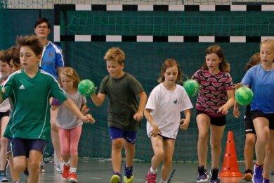 Nachwuchs-Training in den Ferien ist ein Novum bei den Grünaer Handballern. Nach dem erfolgreichen Auftakt könnte das Sommercamp im nächsten Jahr eine Fortsetzung erfahren.
