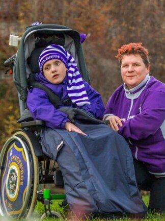 Christina Nitzsche und ihr Sohn Paul können sich ein behindertengerechtes Auto kaufen.