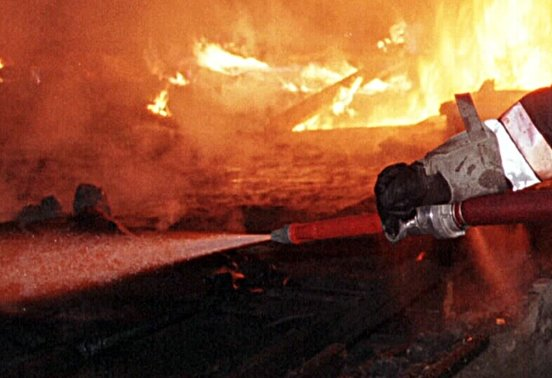 Feuerwehrmann bei Brand verletzt