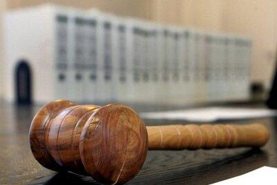 Wegen Besitzes und Verbreitung von Kinderpornografie wurde ein Lengenfelder zu einer Freiheitsstrafe von zehn Monaten verurteilt, ausgesetzt auf Bewährung.