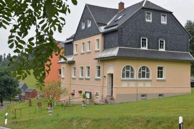 Vier Jahre lang stand die ehemalige Glöckner-Villa leer. Daniela Kubis hat die Wohnungen ausgebaut und das Haus nun Villa Hainberg genannt.