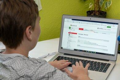 Vom herkömmlichen Pauken im Klassenverband zum individuellen Lernen am Laptop zuhause: Corona hat den Schulbetrieb umgekrempelt.