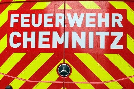 Chemnitzer Feuerwehr unterstützt Stadt beim Gießen