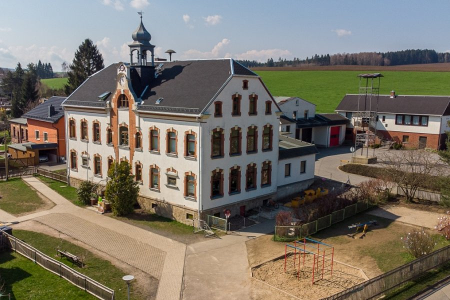 Auerbach plant Investition in Schulhaus