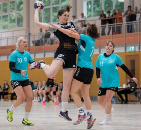 Nächster starker Auftritt: Die Weißenborner Handballerinnen um Denise Gruber fertigten die SG Klotzsche mit 28:18 ab. Die Österreicherin, die im Sommer zu Rotation wechselte, steuerte zwei Tore bei.