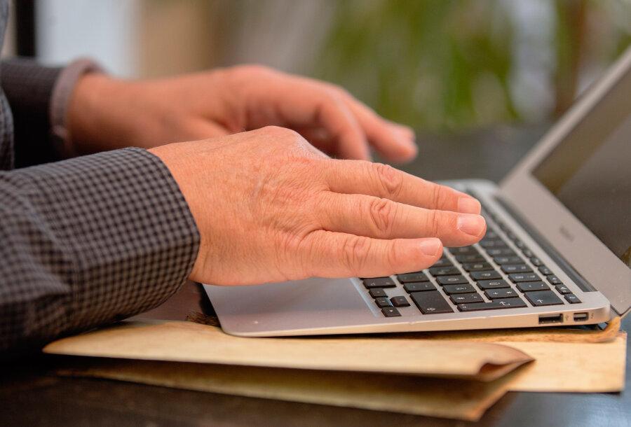 Fake-Portale im Internet: So werden Testergebnisse gefälscht