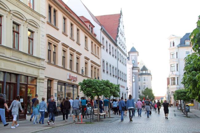 Etwa 120 waren am Montagabend bei dem Spaziergangs-Protest in Freiberg dabei.
