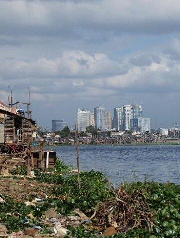 """<p class=""""artikelinhalt"""">In der Zwei-Millionen-Metropole Manila treffen die sozialen Gegensätze hart aufeinander.</p>"""