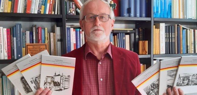 Reinhard Jeromin ist Autor der Reihe Frankenberg - Geschichte in Realität, Wahrnehmung und Bewusstsein.